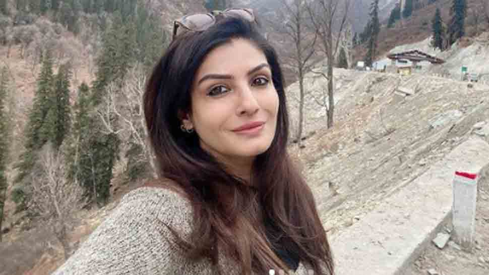 Raveena Tandon shares her paranoia amid sudden spike in COVID cases in India, says 'let's be cautious'
