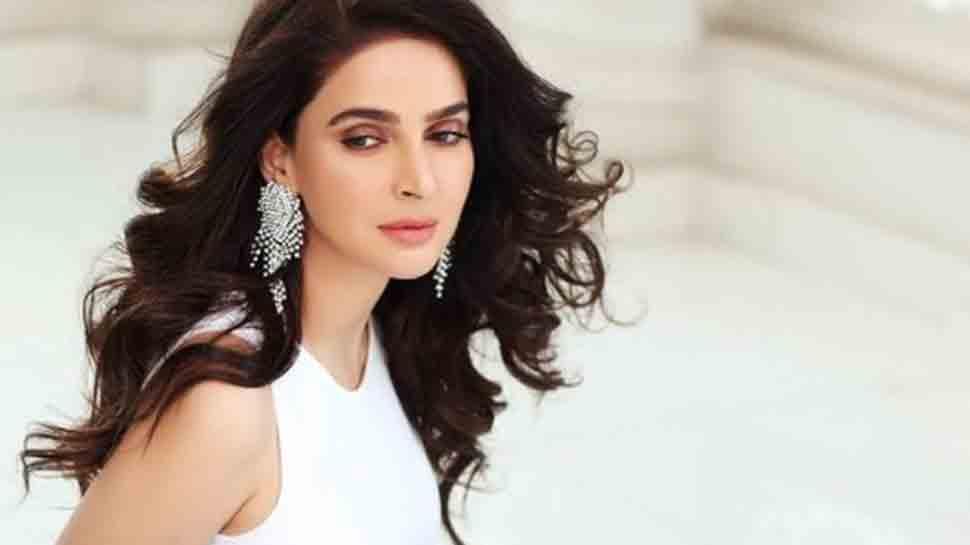 Irrfan Khan's co-star Saba Qamar calls off wedding with fiance Azeem Khan, shares a lengthy post
