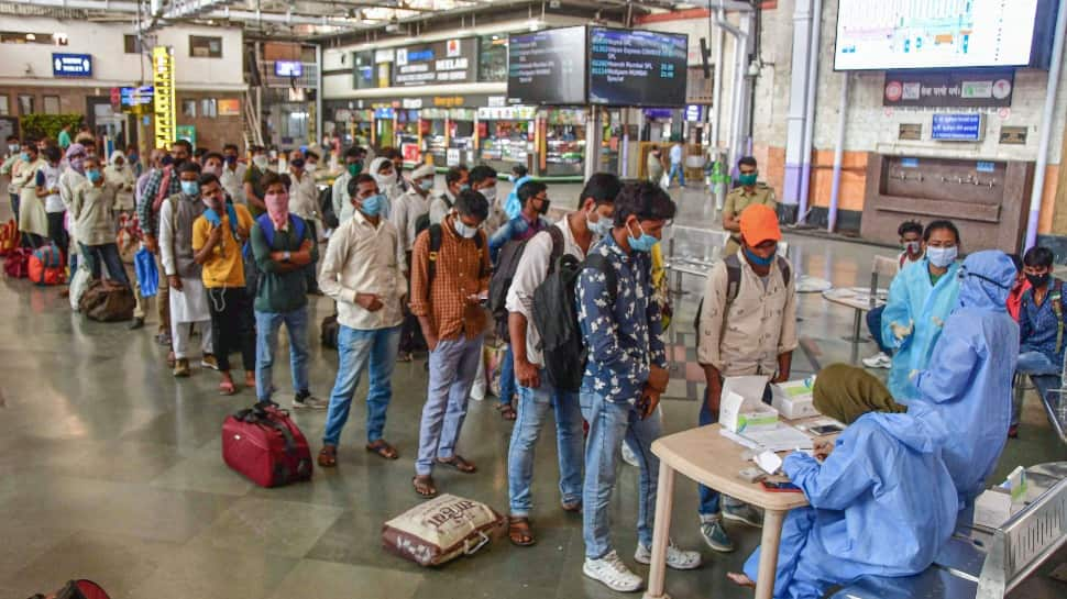 India adds much  than 93,000 COVID-19 cases successful  past  24 hours, progressive  number  nears 7 lakh
