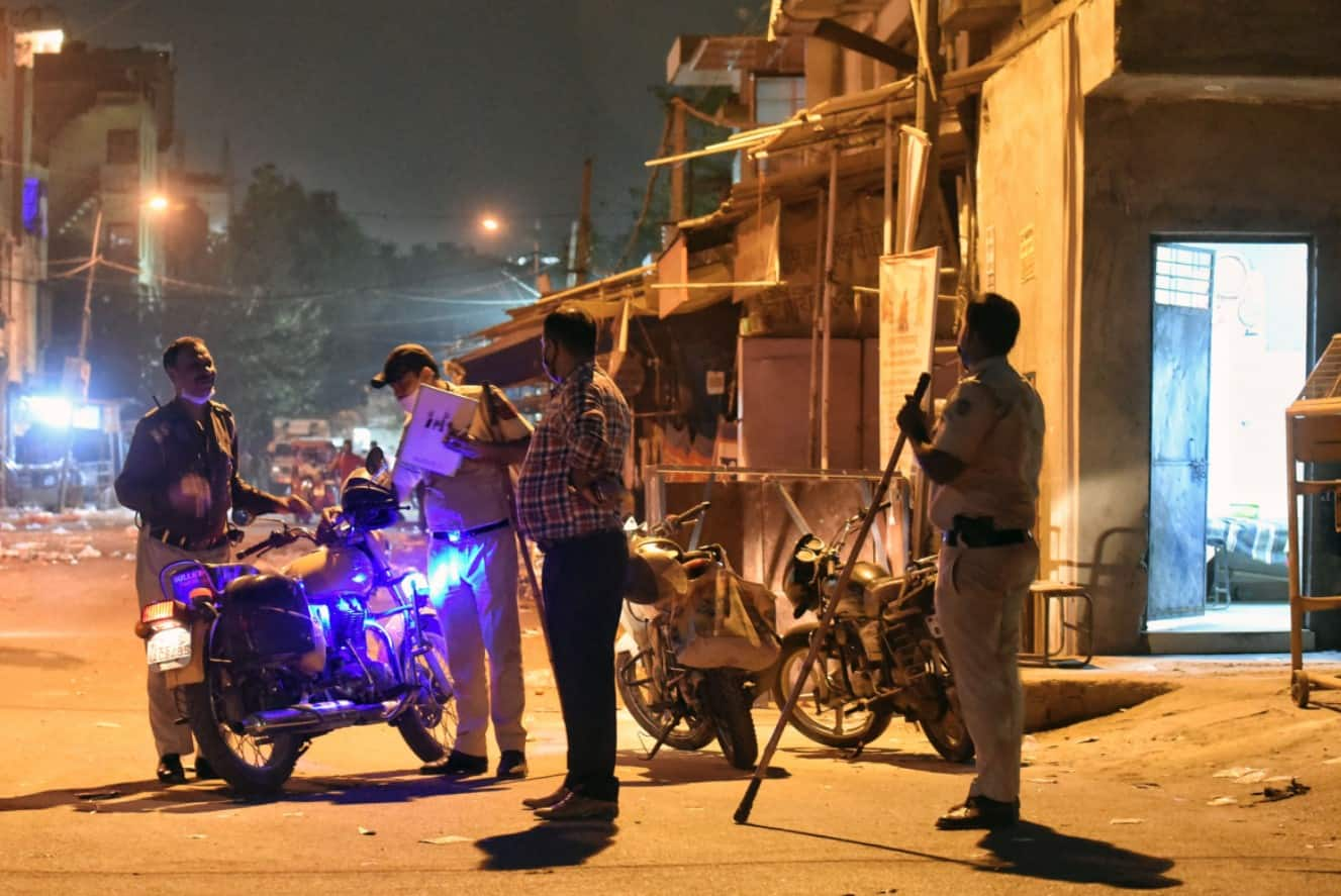Night curfew imposed in Delhi due to rising coronavirus cases