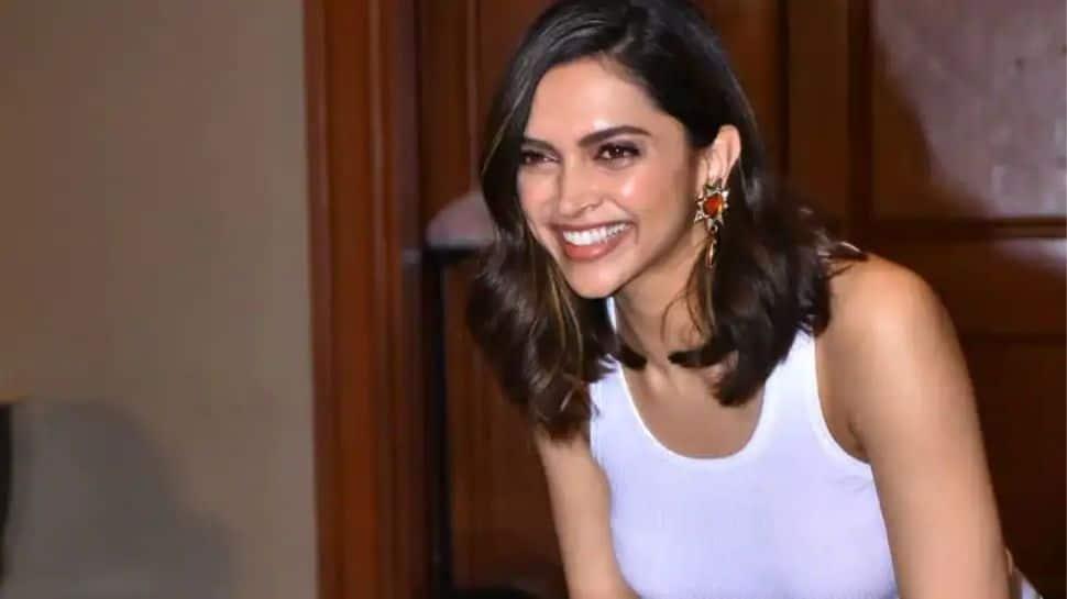 "Deepika Padukone melts hearts with cute throwback picture, calls herself ""Indranagar ki gundi"""