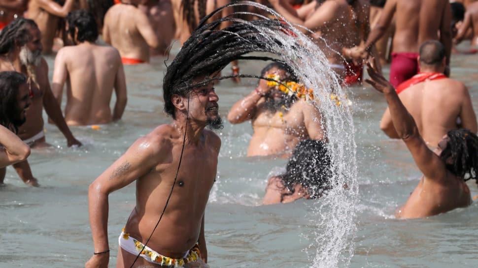 Kumbh Mela 2021: Devotees participate in second 'Shahi Snan' at Har Ki Pauri in Haridwar