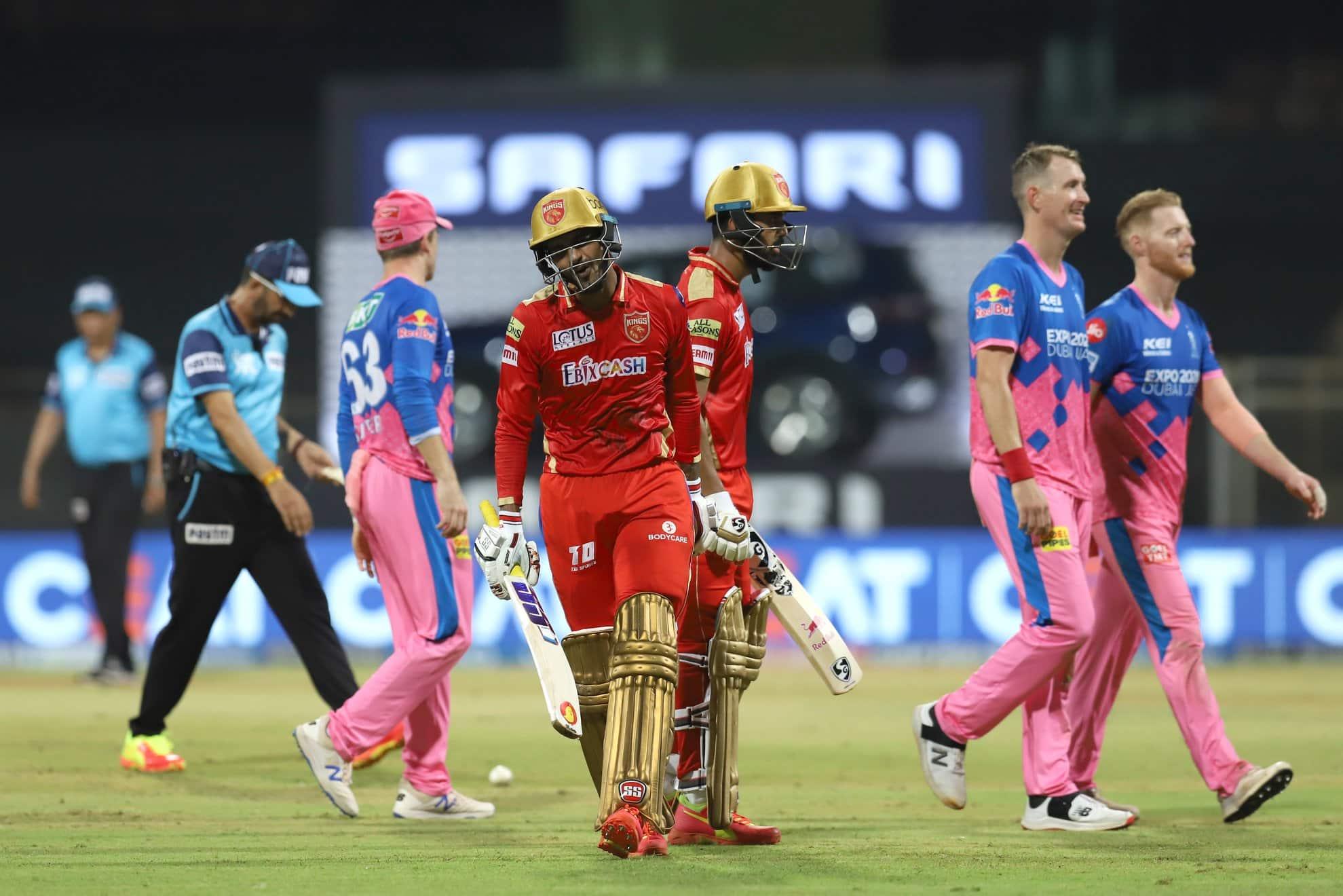 Punjab Kings batsman Deepak Hooda (centre) is disappointed after getting dismissed for 64 against Rajasthan Royals in their IPL 2021 tie. (Photo: IPL)