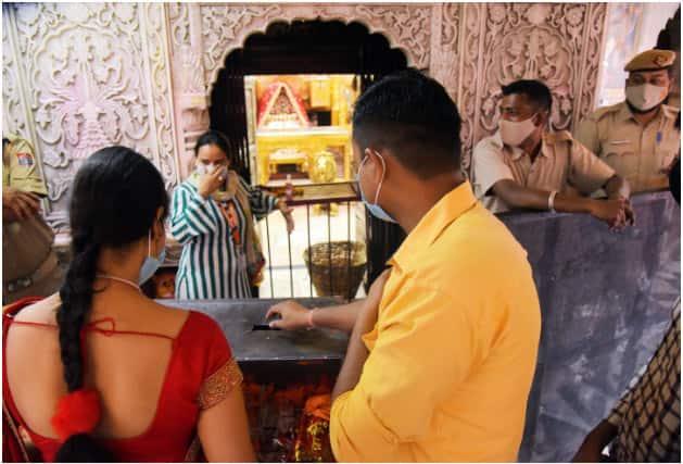Devotees at Kalkaji Temple, New Delhi