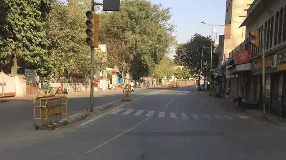 Lockdown in 5 cities of Uttar Pradesh, Allahabad HC scolds Yogi Adityanath Govt