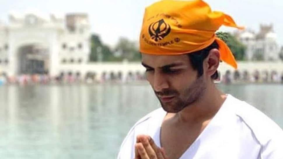Kartik Aaryan says 'these tough times reinstate my faith in humanity', shares pic from Golden Temple!