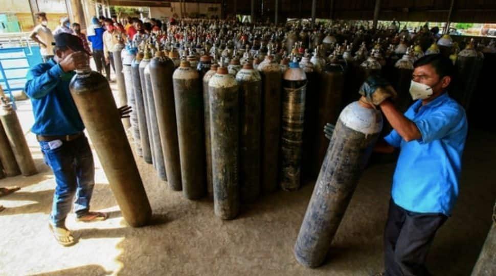 Maharashtra minister accuses Karnataka govt of blocking oxygen supply