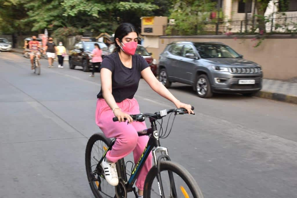 Khushi Kapoor is all set to make her Bollywood debut