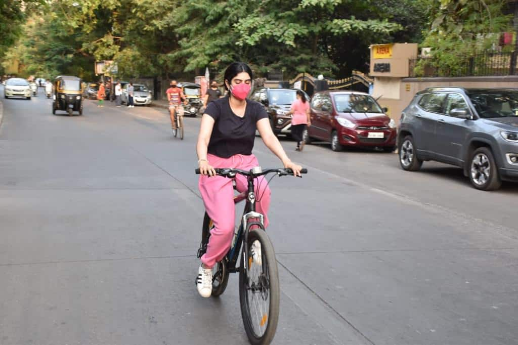 Khushi Kapoor looks super-comfy during her cycling session