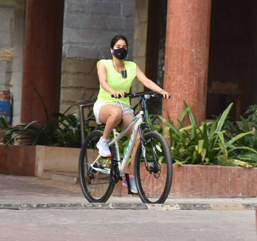 Janhvi Kapoor enjoys music while cycling!