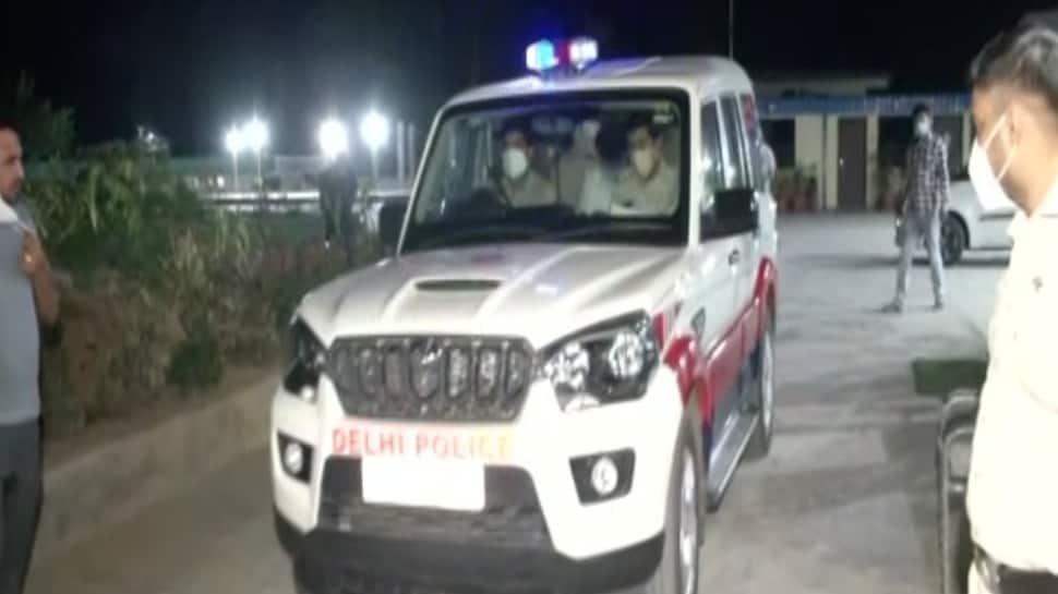 Delhi Police arrests Khan Chacha owner Navneet Kalra in oxygen concentrators black marketing case