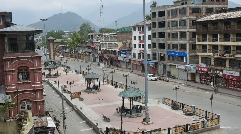 Jammu and Kashmir extends 'corona curfew' across 20 districts till May 31