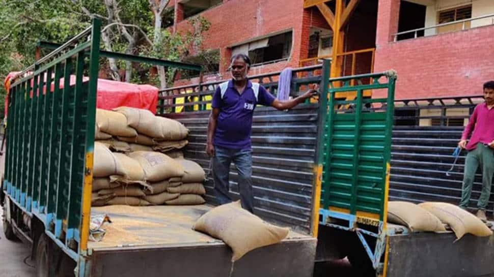 Centre stops Delhi govt's flagship doorstep ration delivery scheme, says 'did not seek approval'