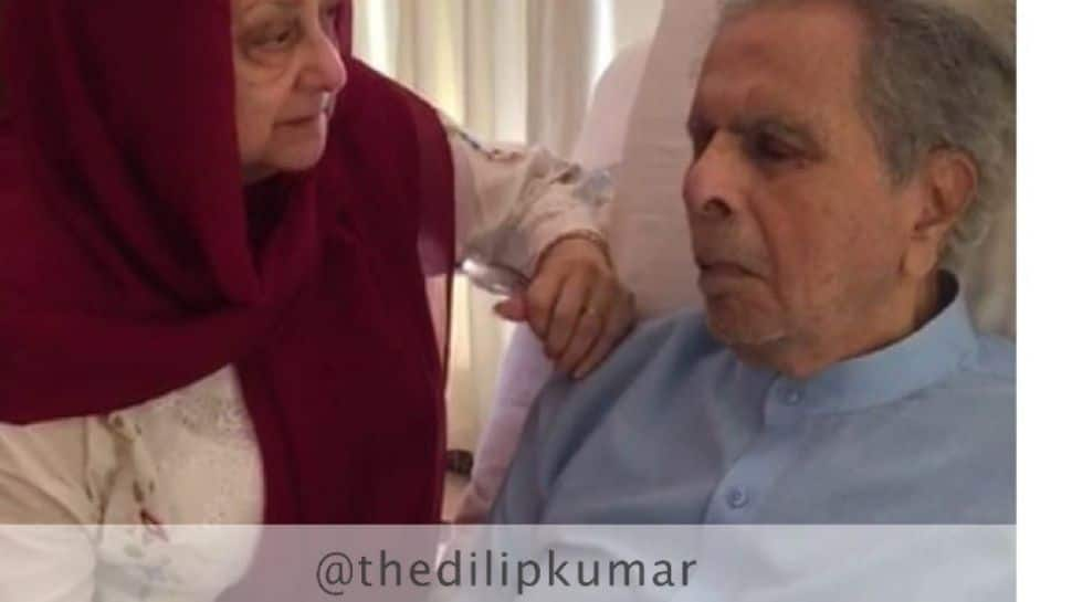 Dilip Kumar's first pic from hospital, wife Saira Banu stays by his side!