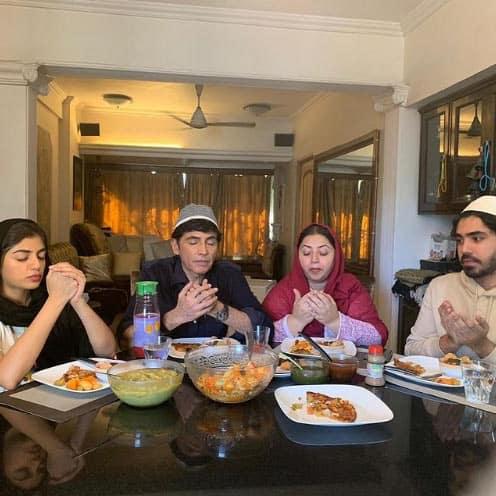 Aasif Sheikh enjoying meal with family on Ramadan