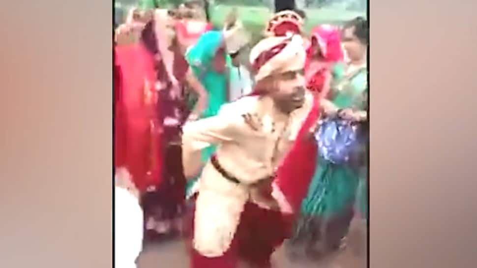 Viral video: Sherwani-clad Dulha's unique dance without shoes on superhit Bhojpuri song goes viral - Watch