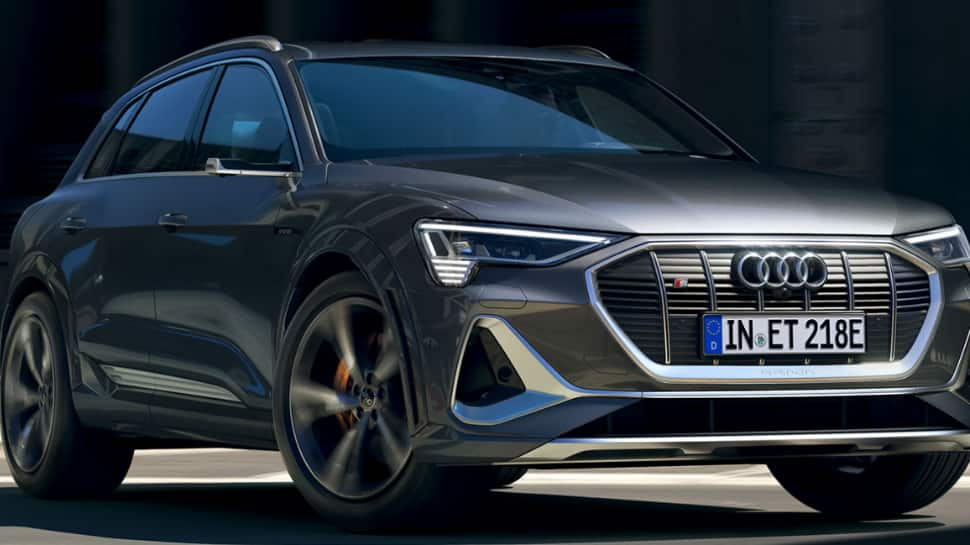 Audi e-tron features and battery