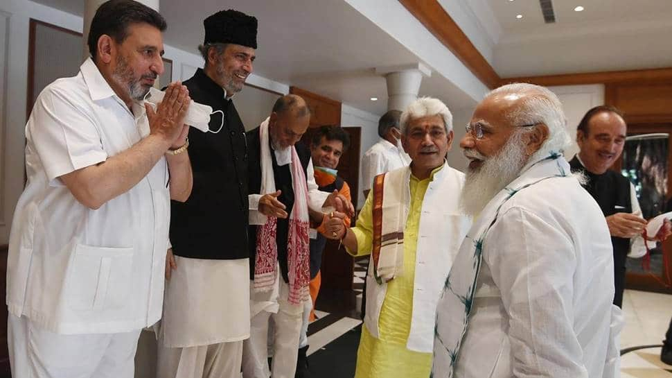 PM Modi meets J&K leaders to discuss statehood
