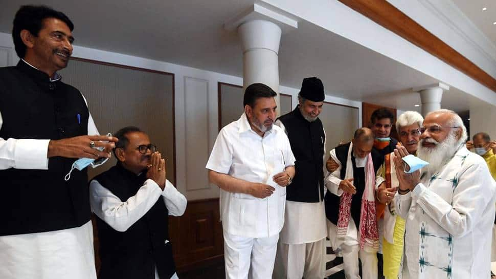PM Modi meets J&K leaders in Delhi