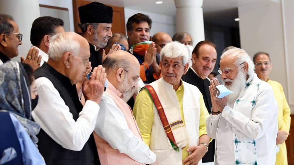 PM Modi and leaders from J&K meet