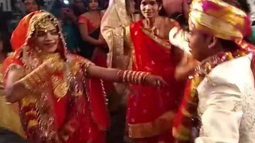 Viral video: Bride and groom's amazing dance on Sapna Choudhry's Haryanvi song Teri Aakhya Ka Yo Kajal at wedding - Watch