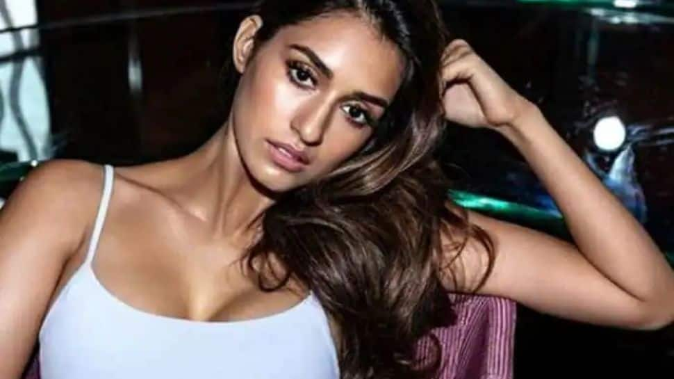 Disha Patani turns heads in bold 'Kiss Me More' dance cover, rumoured beau Tiger Shroff reacts! - Watch