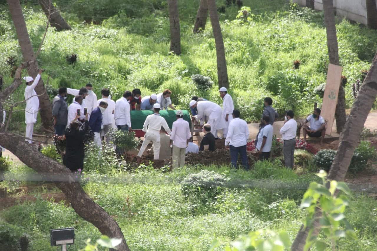 Dilip Kumar's last rites underway