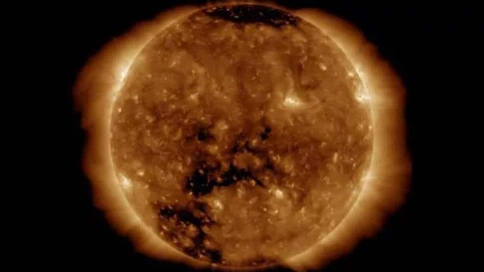 Solar storm headed towards Earth, could impact cellphone, GPS signals, experts caution thumbnail