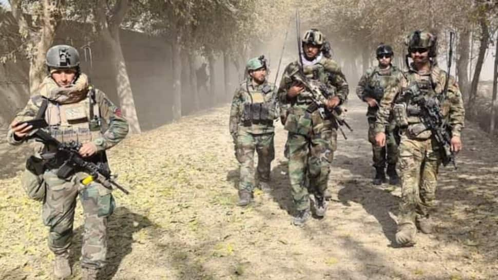 Taliban fighters claim to control key Afghan border crossing with Pakistan