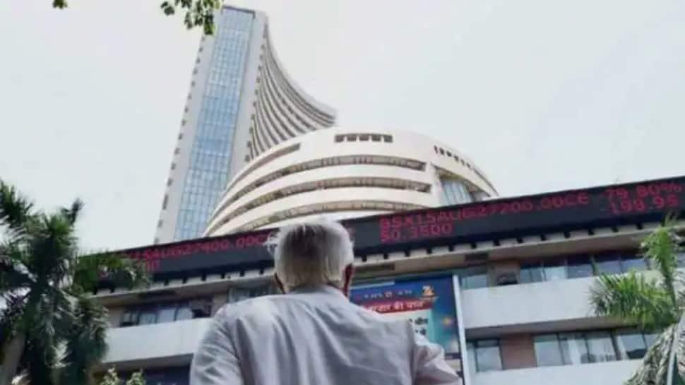 Sensex, Nifty end flat after scaling fresh lifetime highs