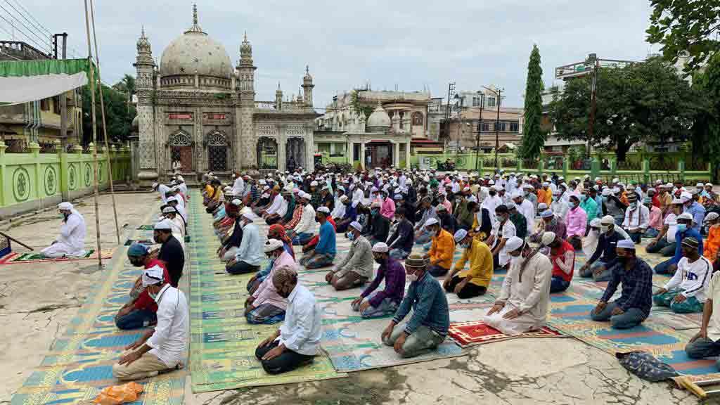 Devotees offer prayers in Agartala