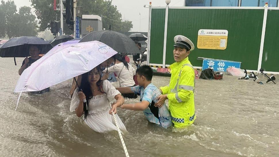 Police at work in Zhengzhou