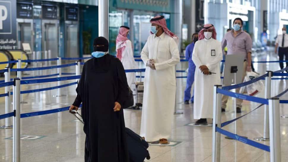 सऊदी अरब ने भारत सहित 'रेड लिस्ट' वाले देशों की यात्रा करने वाले नागरिकों पर 3 साल के यात्रा प्रतिबंध की धमकी दी है, क्योंकि COVID मामले बढ़ रहे हैं