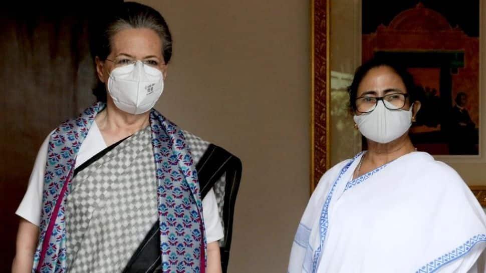 Pegasus to 2024 polls: Series of topics discussed as Mamata Banerjee met Sonia Gandhi in Delhi thumbnail