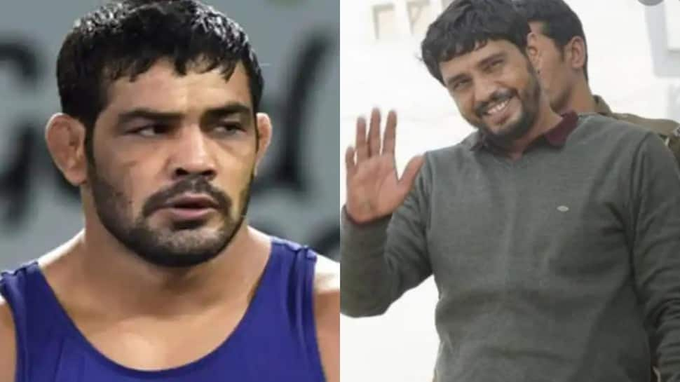 Delhi's most wanted gangster Kala Jathedi, who had also threatened to kill Sushil Kumar, arrested thumbnail
