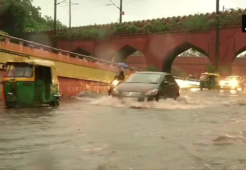 Waterlogging in Yamuna Bazar area