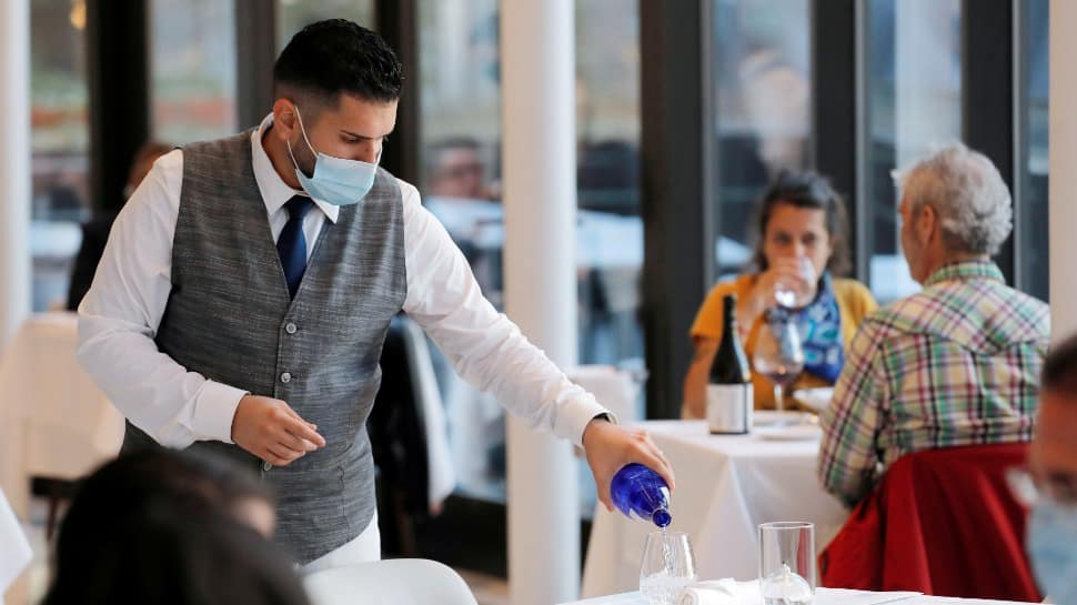 New York mandates COVID-19 vaccination proof for indoor dining, gyms
