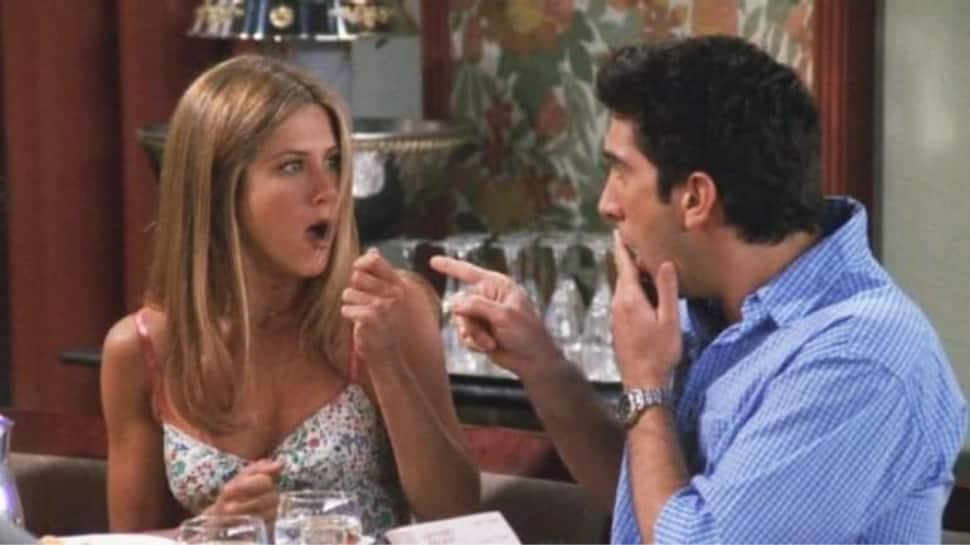 Is Jennifer Aniston dating 'Friends' co-star David Schwimmer?