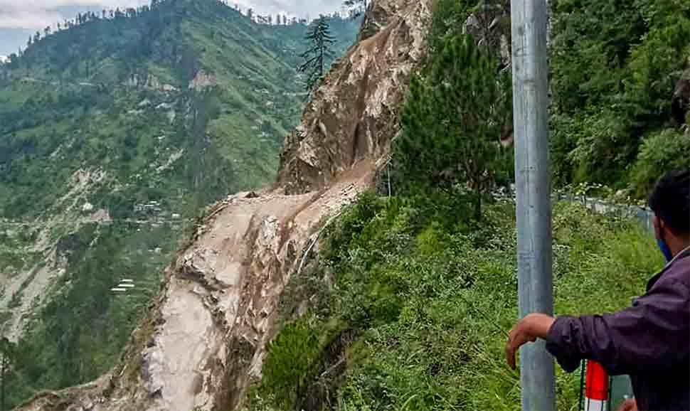 2 dead, over 40 feared buried under debris in Kinnaur landslide, PM Modi speaks to Himachal Pradesh CM