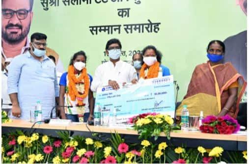 Salima Tete, Nikki Pradhan honrada por el gobierno de Jharkhand