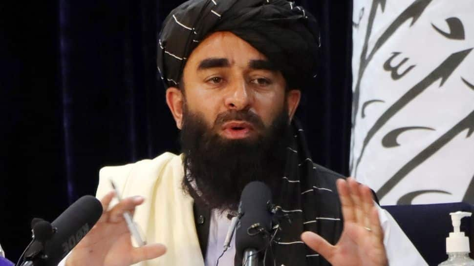 Taliban pledges to respect the rights of women within the framework of Islamic law
