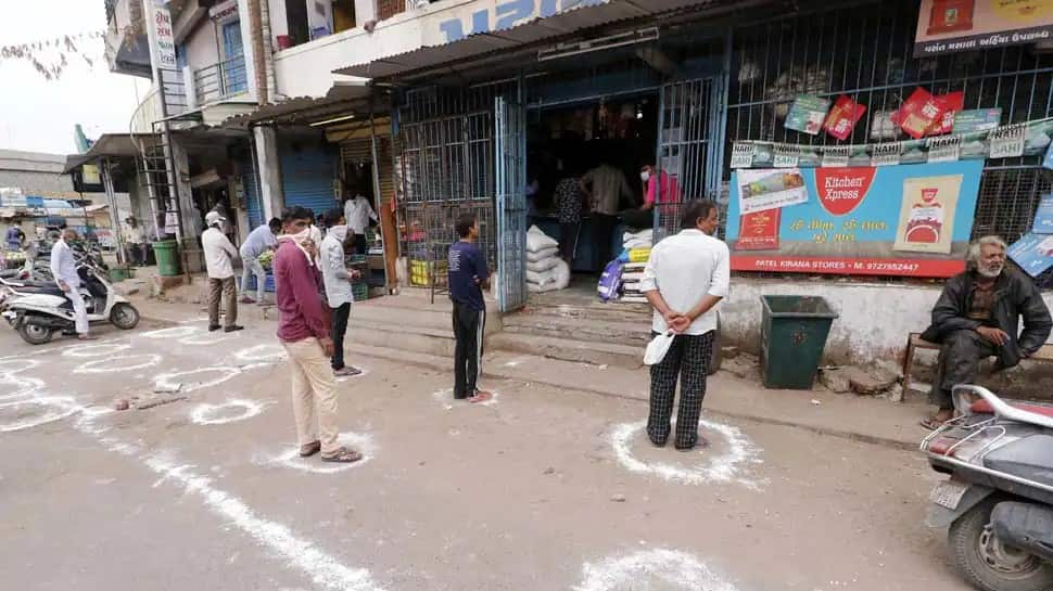 Allow Delhi malls, markets to operate till 10 pm: Traders' body requests DDMA
