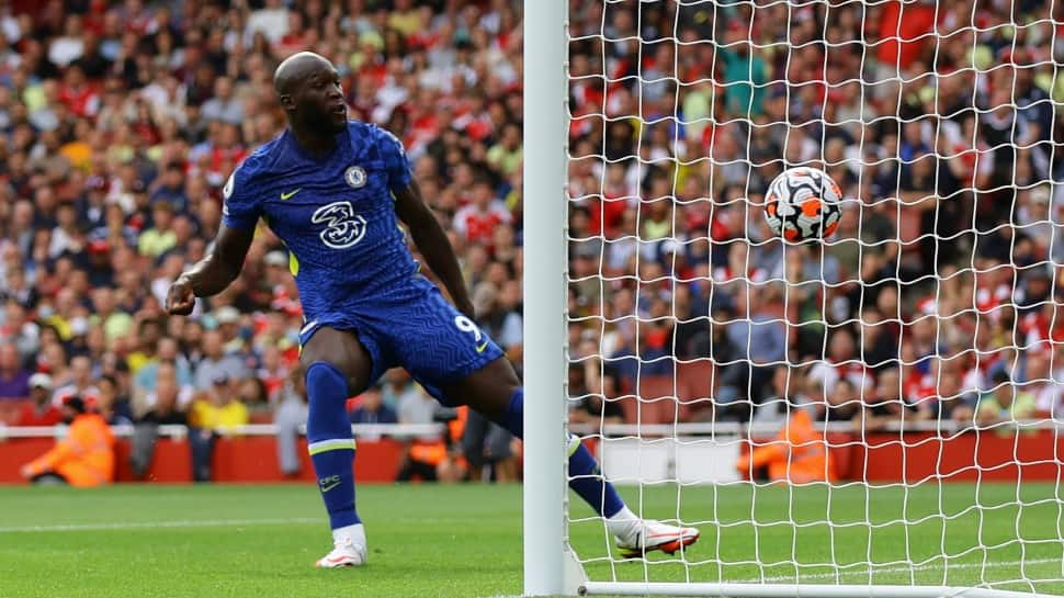 EPL 2021: Returning hero Romelu Lukaku sets up Chelsea's 2-0 win at Arsenal    Football News   Zee News