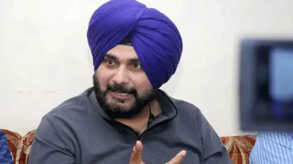 Under fire, Navjot Singh Sidhu summons his advisors after row over their Kashmir remarks