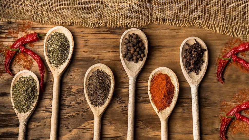 Are Indian spices healthy? Kareena Kapoor's nutritionist Rujuta Diwekar spills the secret!
