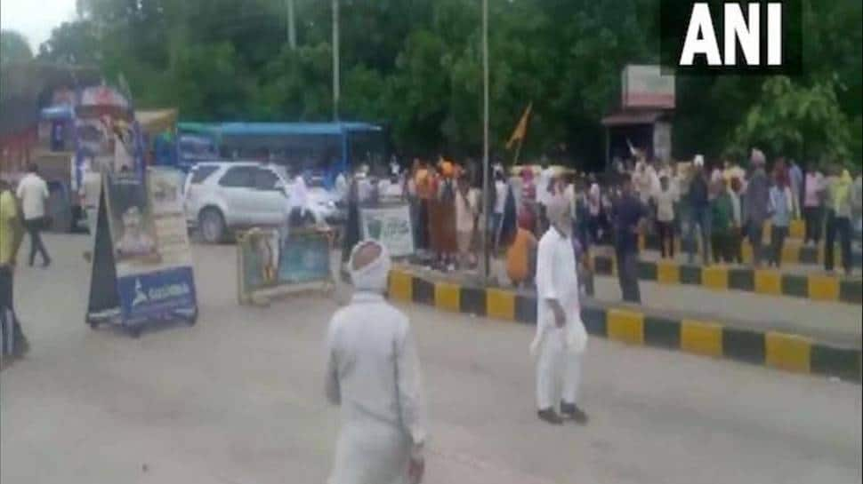Farmers in Haryana block highways after police's lathicharge near Karnal injures 10