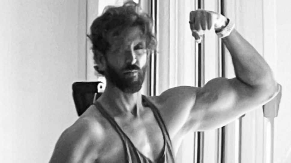 Hrithik Roshan flaunts chiselled physique in new post, says 'Bollywood bicep ki jai'