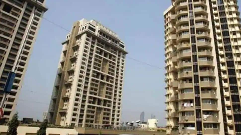 Security guards of posh Noida society thrash residents, FIR lodged – watch video