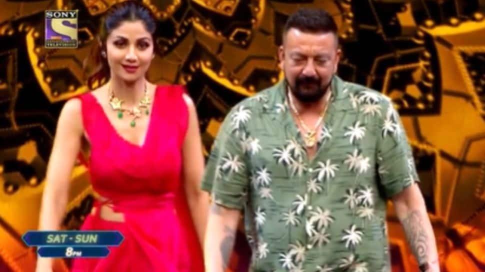 Shilpa Shetty perfectly imitates Sanjay Dutt's signature walk on Super Dancer 4! - Watch
