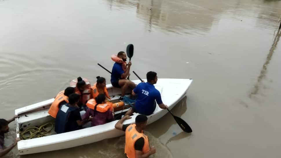 Gujarat floods: IAF, Navy, NDRF called in for rescue operations in Rajkot, Jamnagar thumbnail